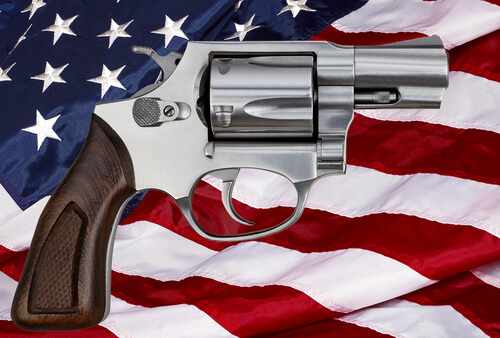 gun-on-american-flag